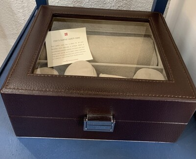 Red Envelope Leather Watch Display Case