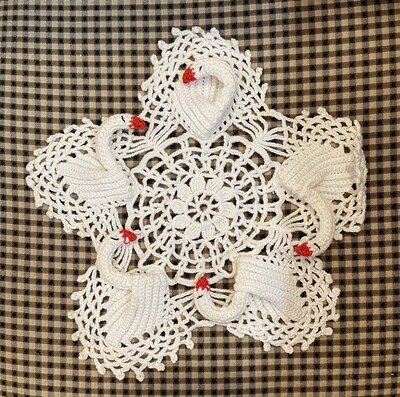 """Swan Lace Doily 9"""""""