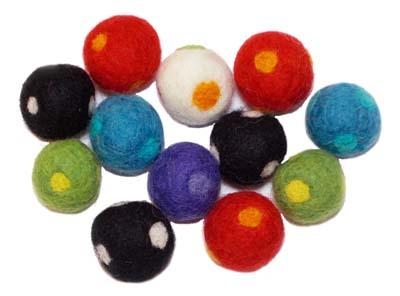12 Dotted Felt Bead Assortment - 2.2cm