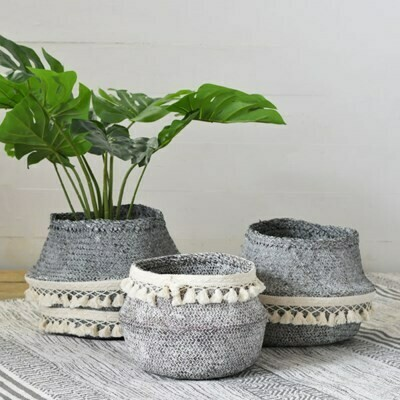 Gray/cream fringe basket