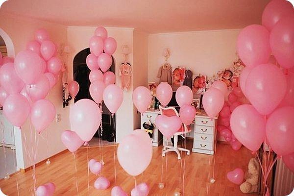 как украсить комнату воздушными шарами фото грудку
