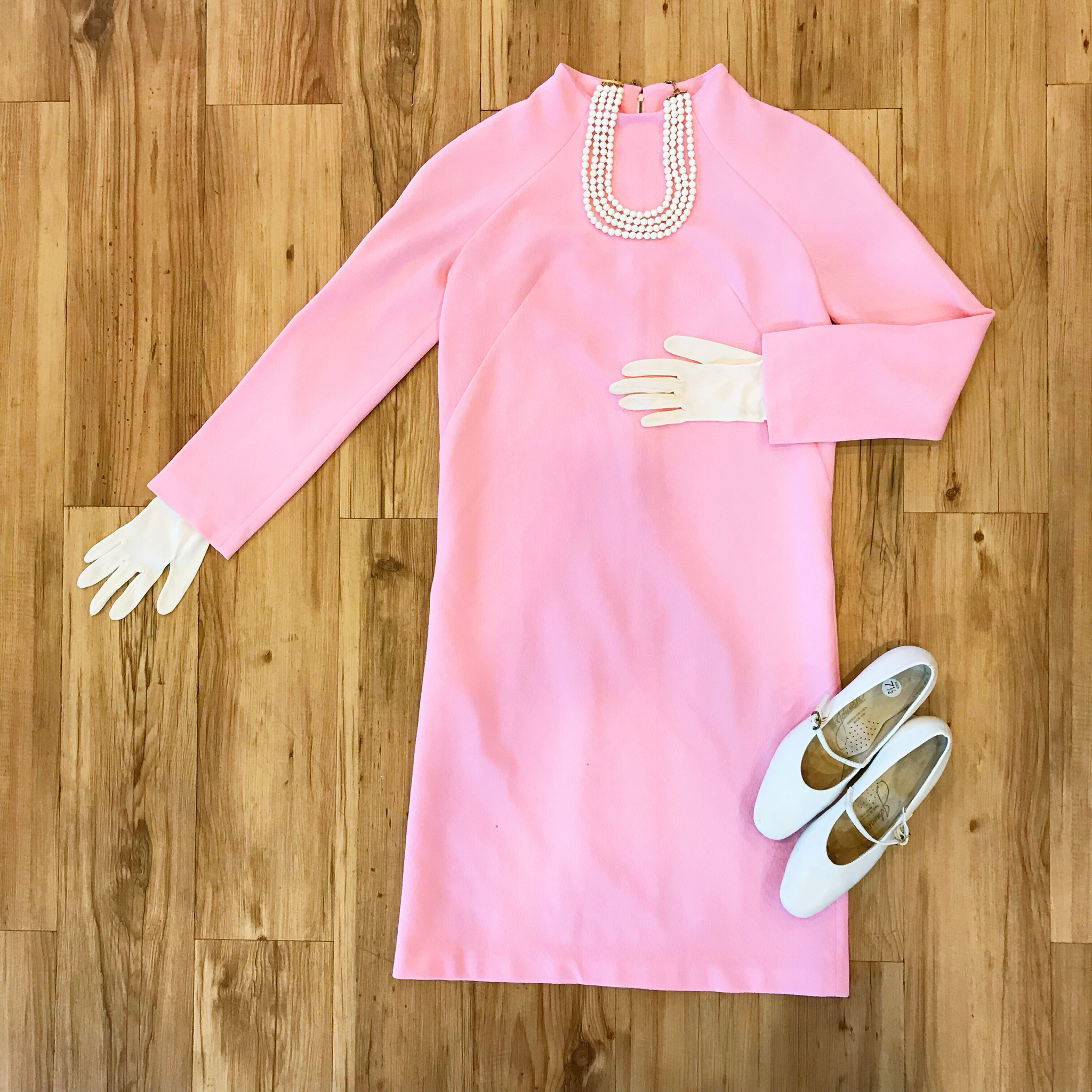 1960s Pastel Pink Shift Dress 00013