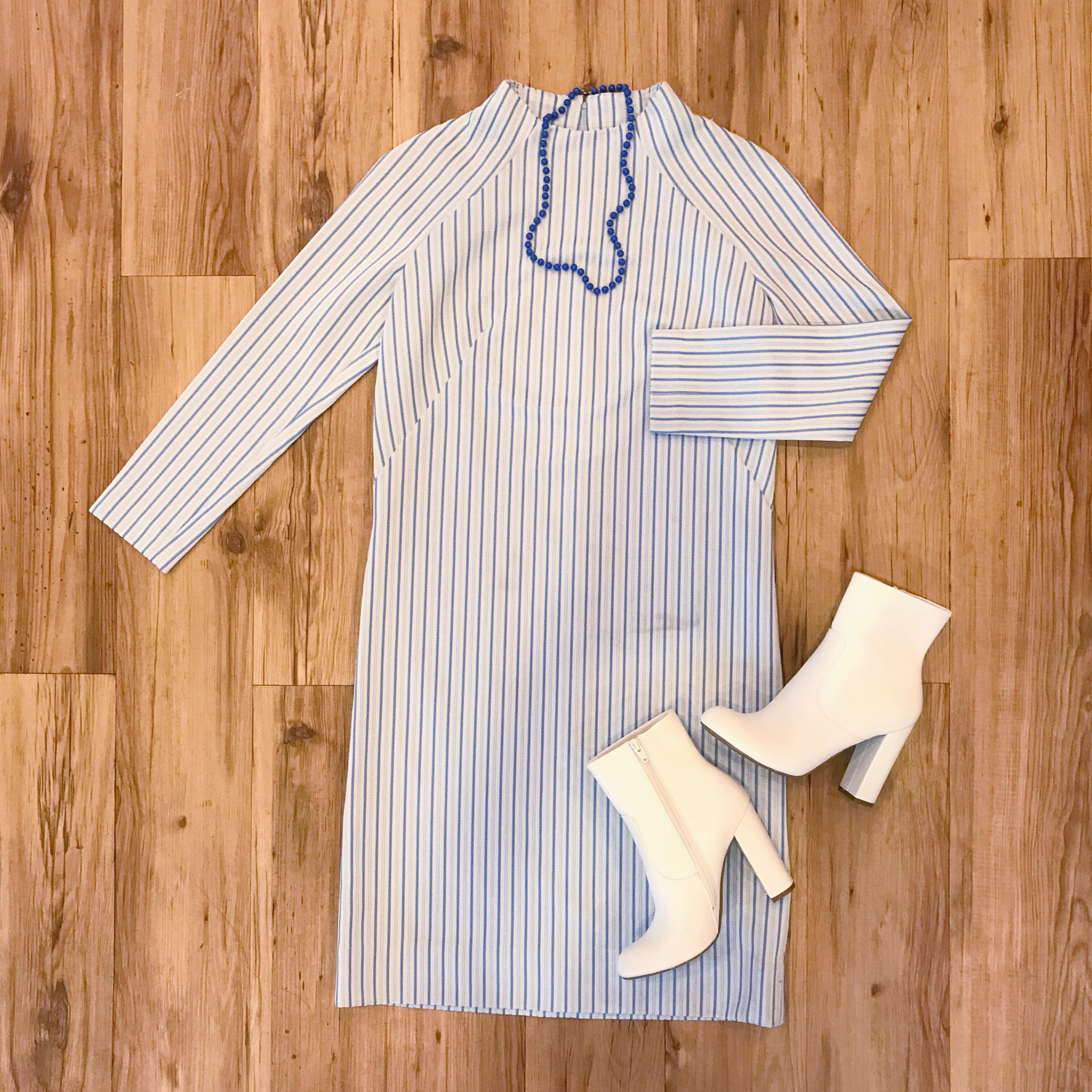 1960s Shades of Blue Striped Shift Dress 00017