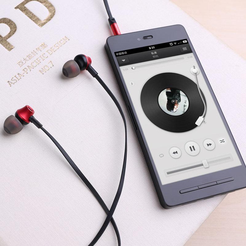 accessoires smartphone - Ecouteur avec microphone Remax 610D iphone 4