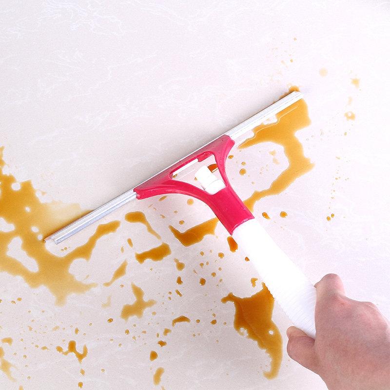 Raclette nettoyante avec vaporisateur pour vitre et pare-brise 13