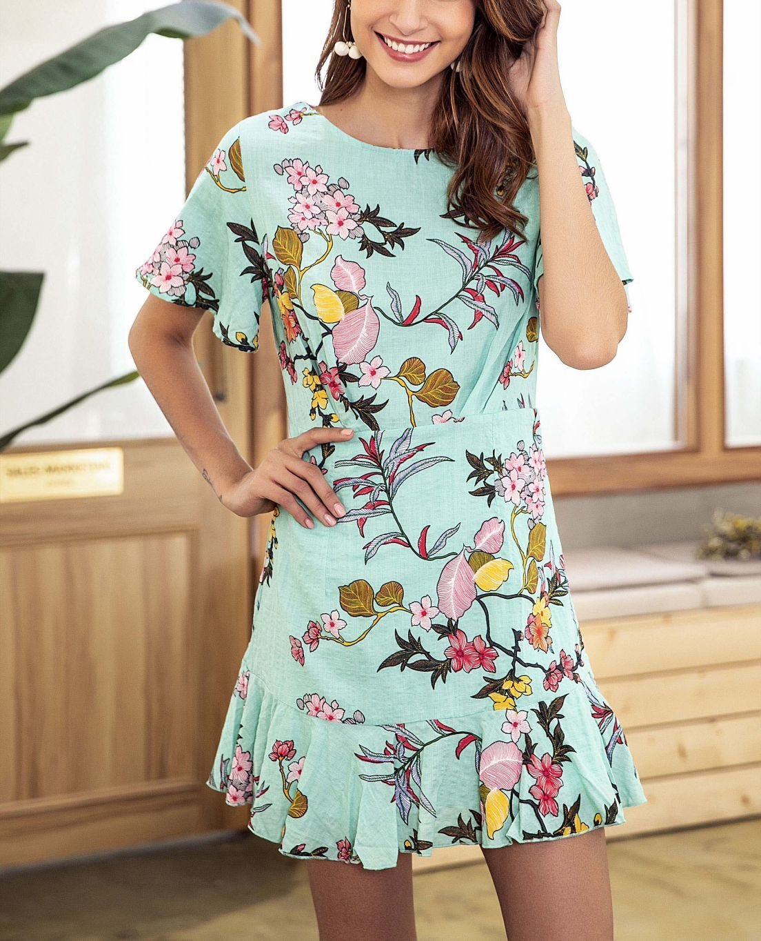 Short Casual Dress with Flutter Sleeves and Mini Flounce