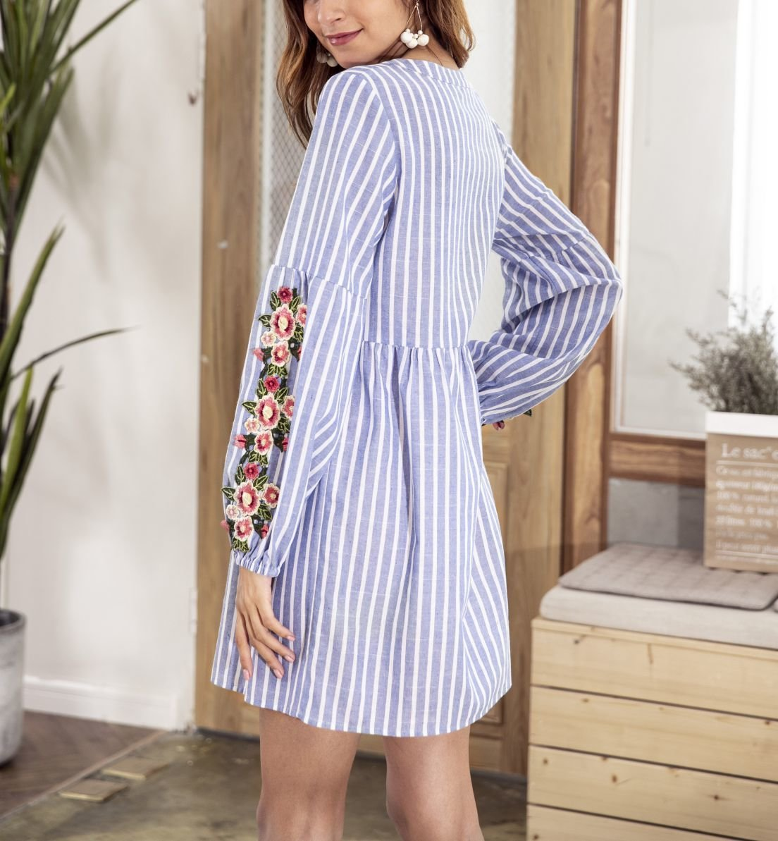 Short Casual Dress with Embroidery and Tassels