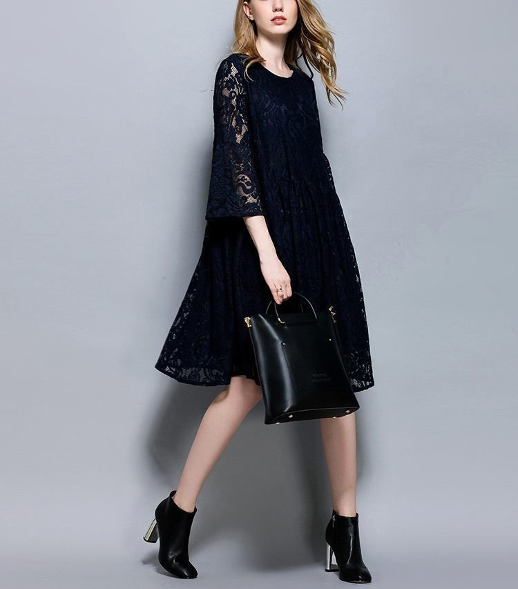 Short Lace Formal Dress with Side Pockets