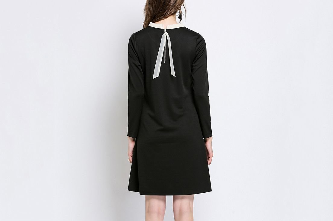 Casual Dress with Diagonal Trim