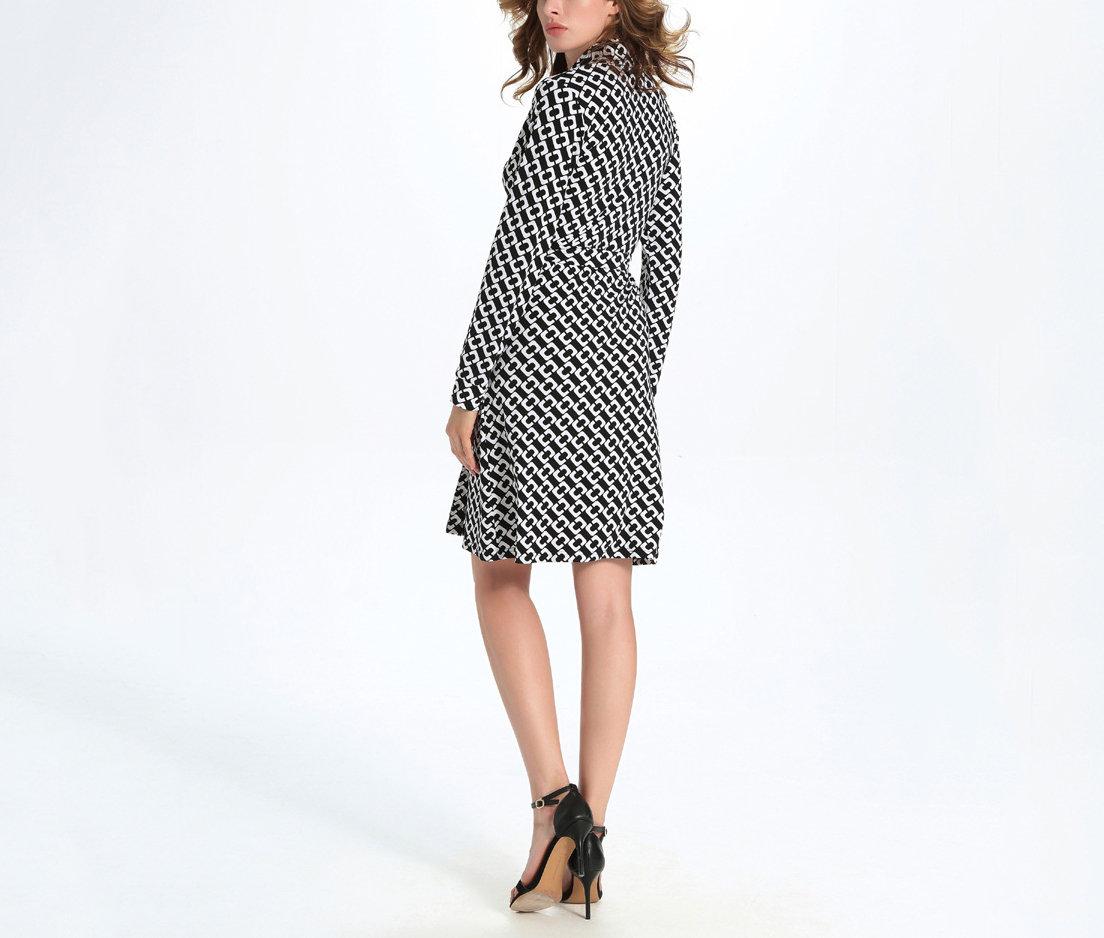 Classic Knit Work Dress in Geometric Print