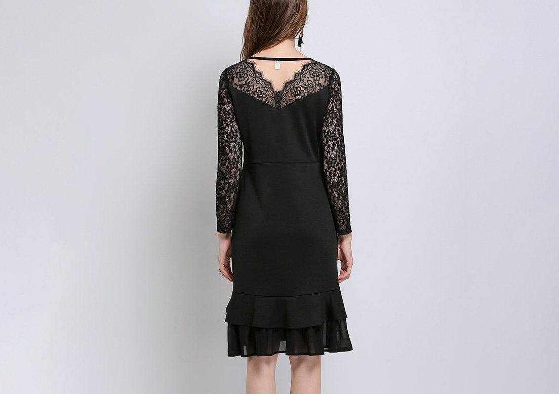 Knee-Length Cocktail Dress with Ruffles and Lace in Plus Sizes