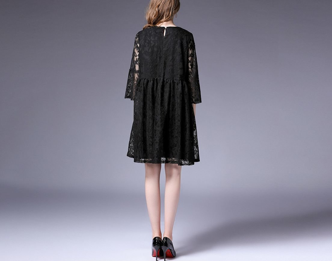 Loose Cocktail Dress in Lace Fabric