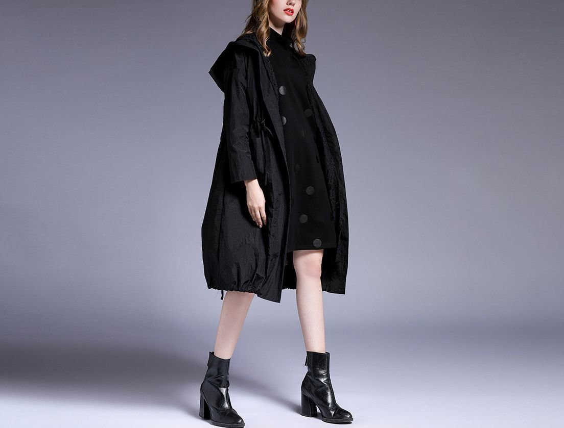 Windbreaker Coat with Hood and Drawstring Bottom