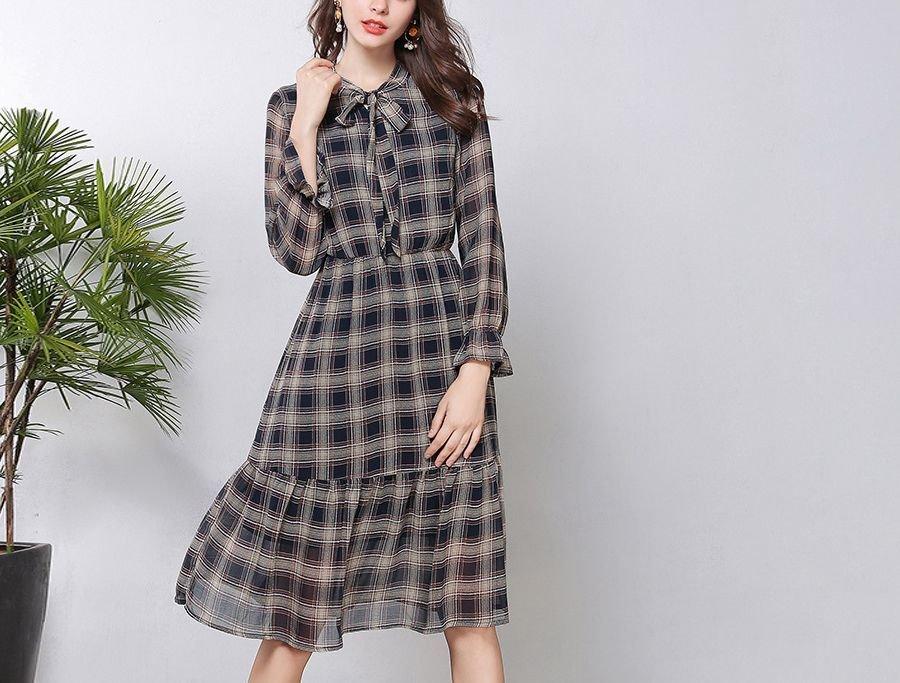 Plaid Casual Dress with Deep Flounce and Elastic Waist