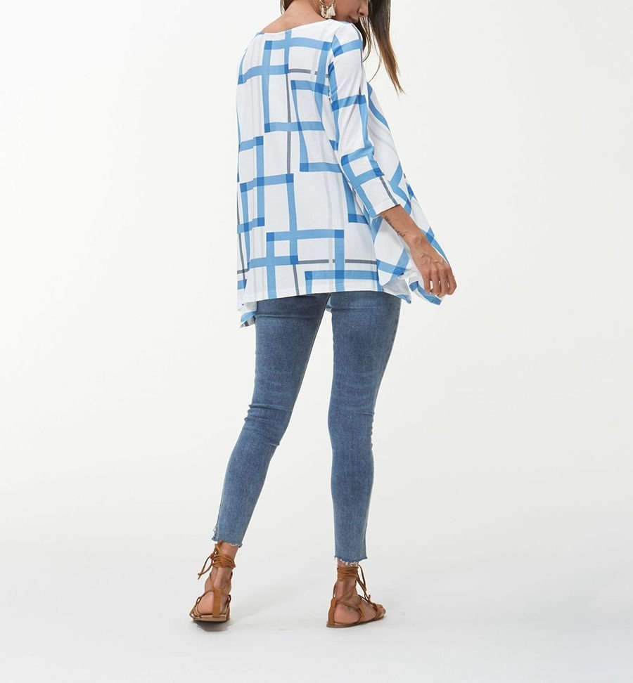 Loose Top with Handkerchief Hemline