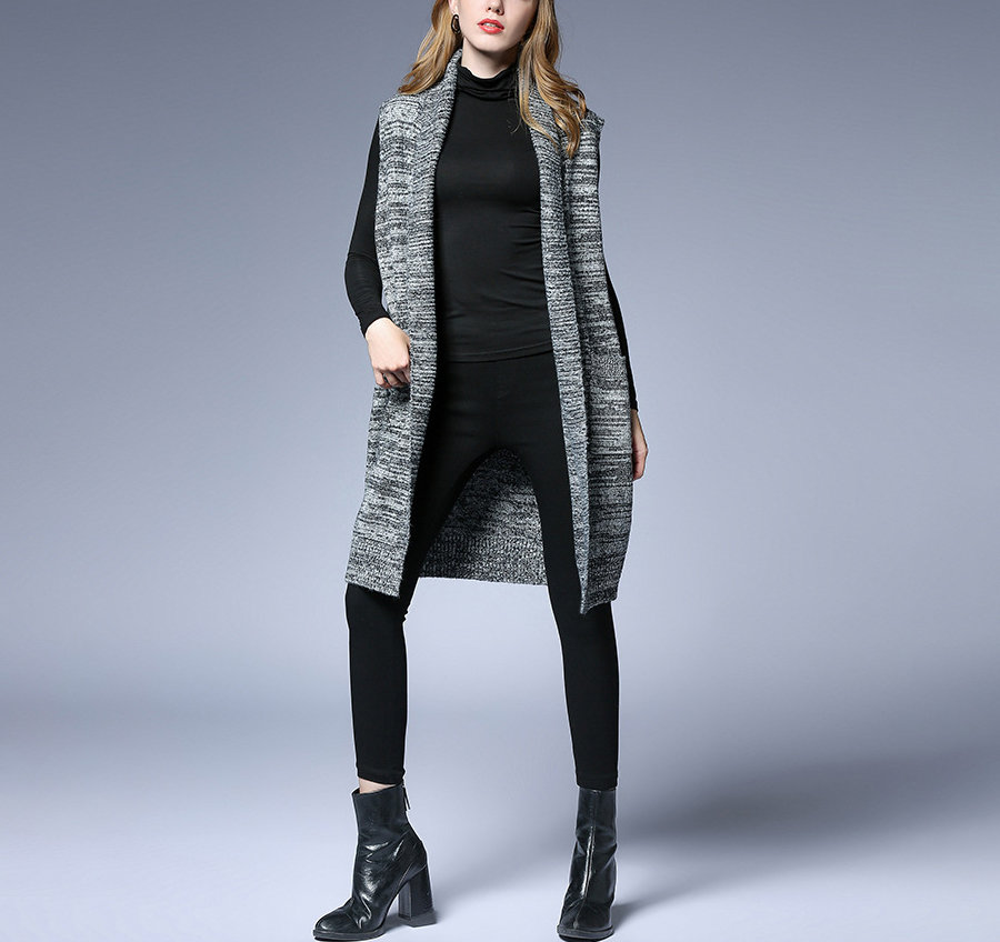 Knee-Length Sleeveless Coat in Acrylic Knit