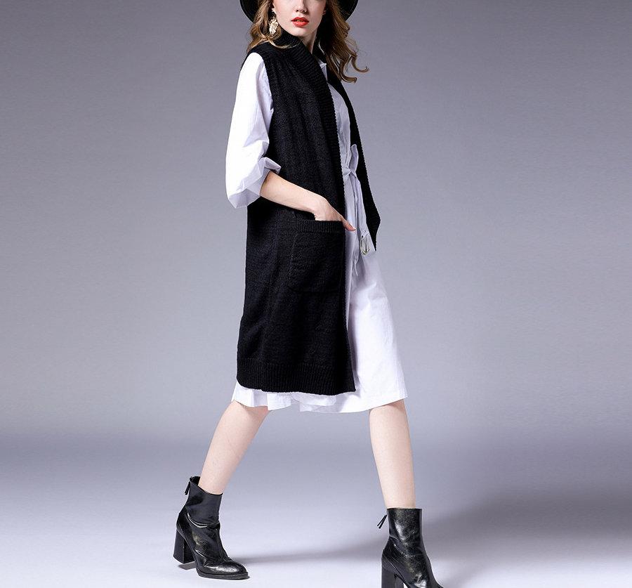Knee-Length Sleeveless Coat in Acrylic Knit