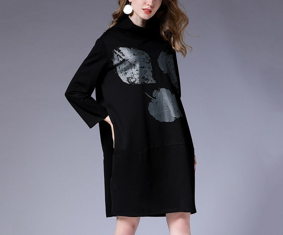 Casual Dress with Large Leaf Print