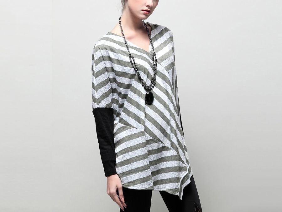 Long-Sleeved Knit Top with Stripes