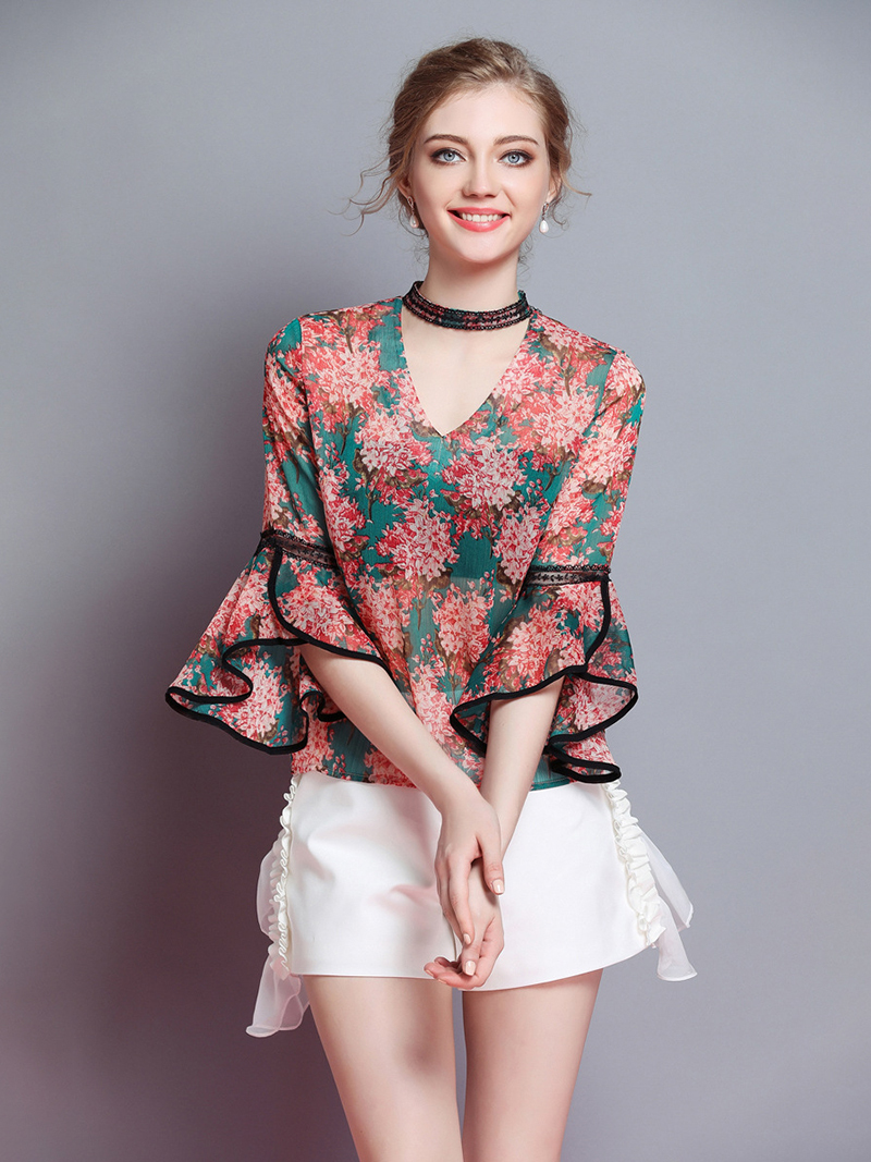 Fashion Top in Chiffon and Lace