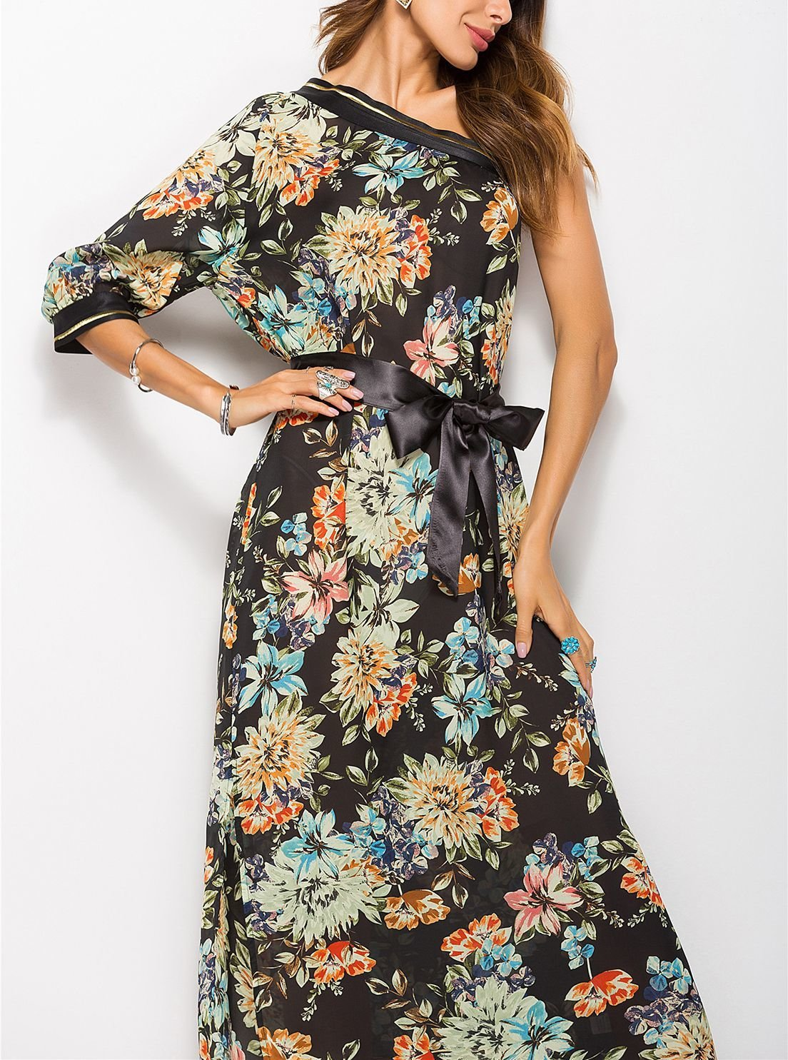 Formal Dress with One Shoulder and Long Sleeve