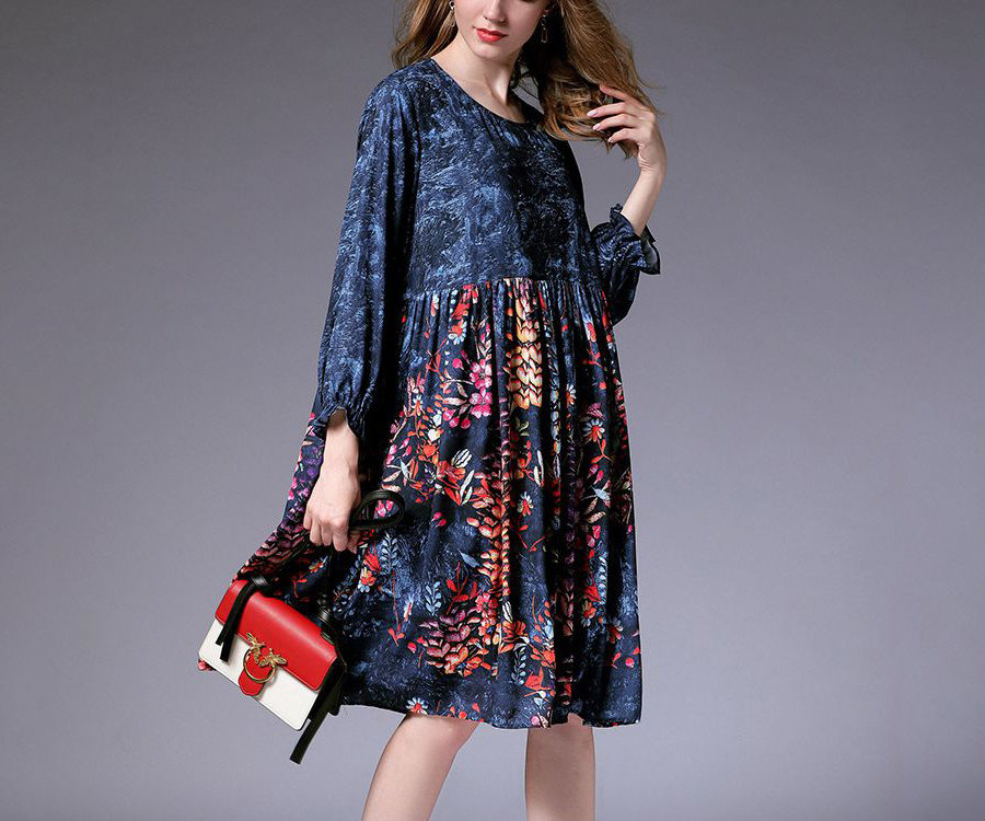 Loose Casual Dress with Long Sleeves and Ruffled Cuffs