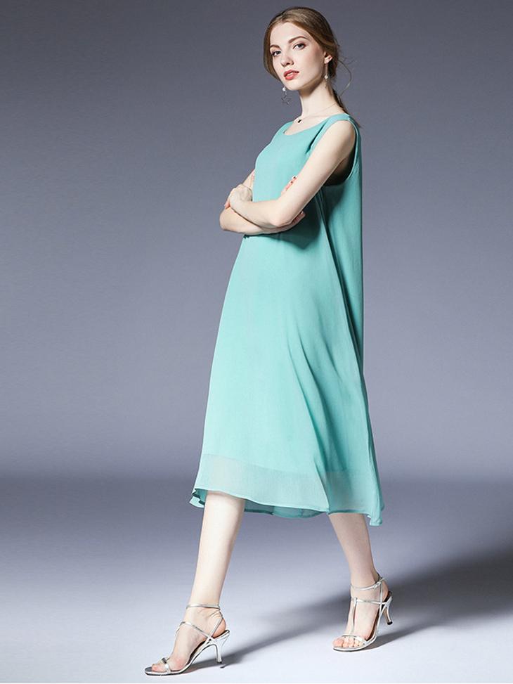 Sleek Cocktail Dress in Chiffon