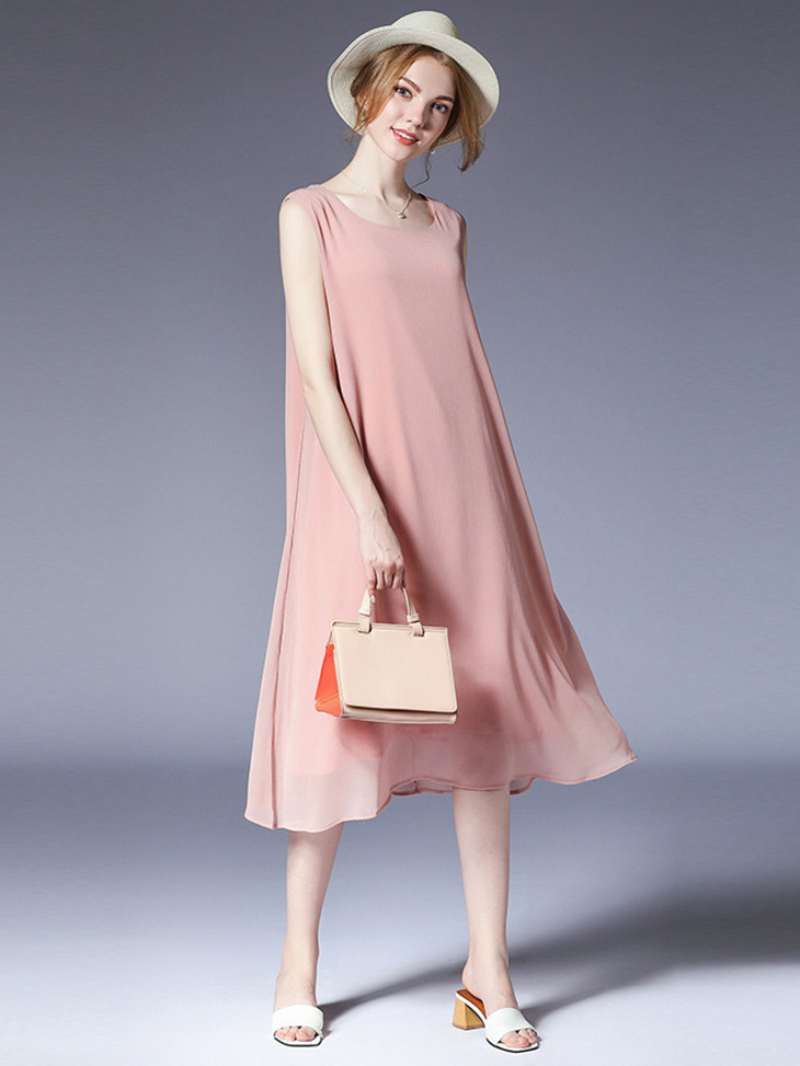 Sleek Cocktail Dress in Chiffon