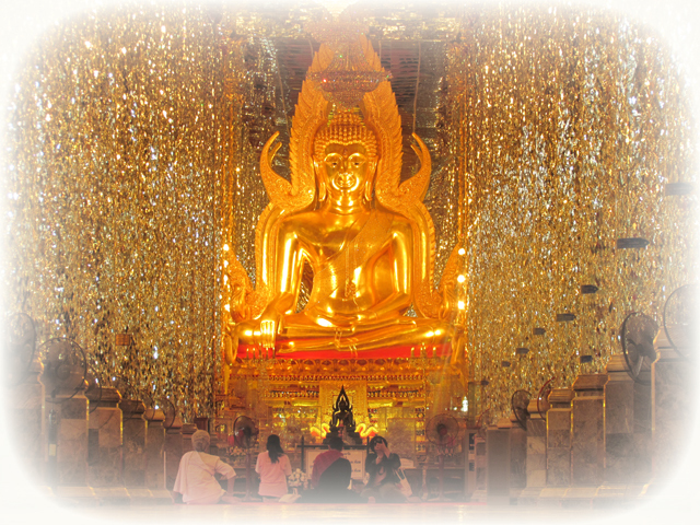 Somdej Ongk Pathom Buddha at Wat Ta Sung in Utai Thani