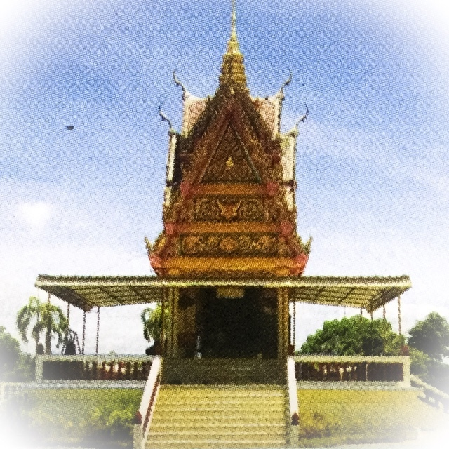 The mausoleum of Luang Por Mui, where his mortal remains (relics) are kept inside a glass coffin for devotees to worship and ask for blessings