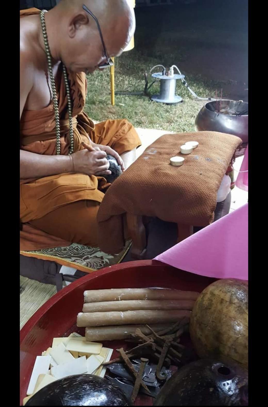 Pra Ajarn Gorp Chai Inscribes Amulets