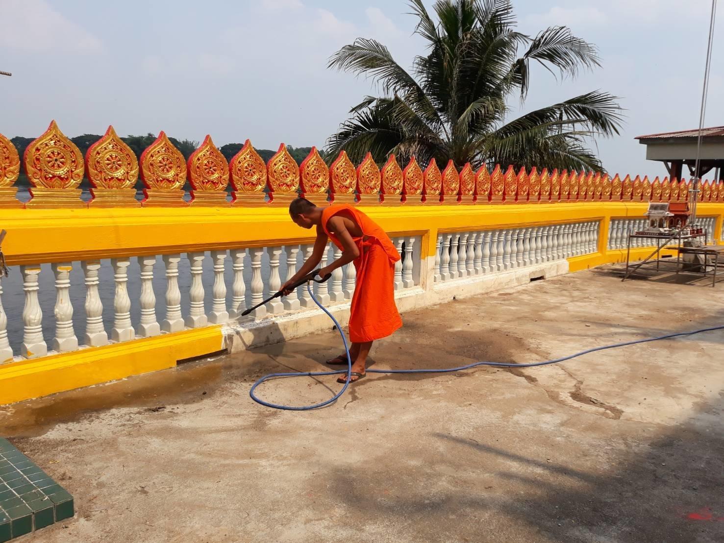Building and Painting of the Sema Temple Wall at Wat Mae Ya