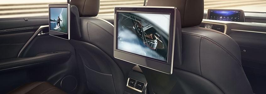 Видеовыход Lexus для подключения мониторов в подголовниках или потолочного дисплея
