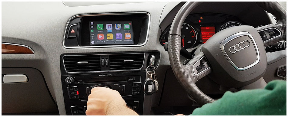 Apple CarPlay with Factory dial control to suit Audi Q5