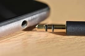Standard 3.5mm headphone port and jack