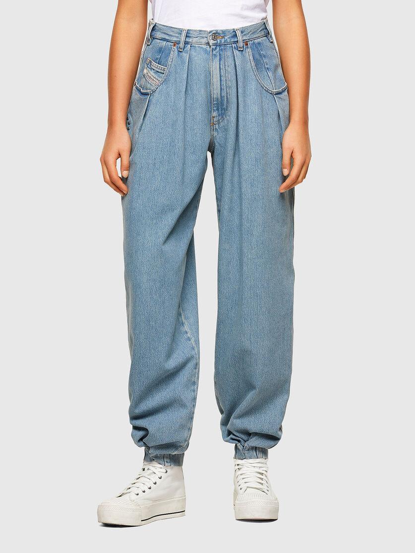 D-Concias Jeans boyfriend con vita regular blu chiaro DIESEL | Jeans | A02010 009RQ08