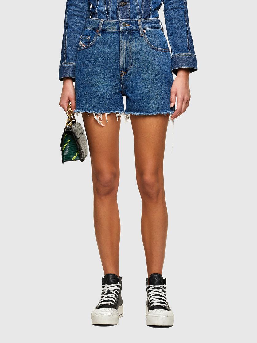 De-Reg Shorts in denim lavato con taglio vivo DIESEL | Shorts | A04301 0ABBW01