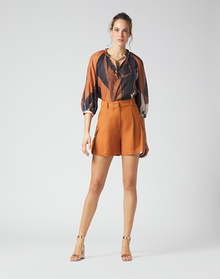 Shorts in lino con tasche MANILA GRACE   Shorts   P362RUMA045