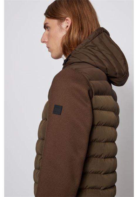 Giubbotto ibrido con cappuccio e zip con logo a blocchi di colore BOSS   Giubbini   50436507342