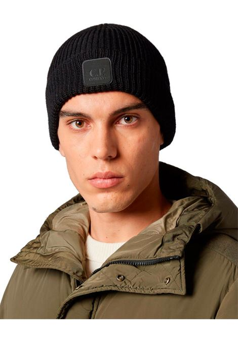 Cappello beanie in lana merino con logo C.P. COMPANY | Cappelli | 09CMAC241A005509A999