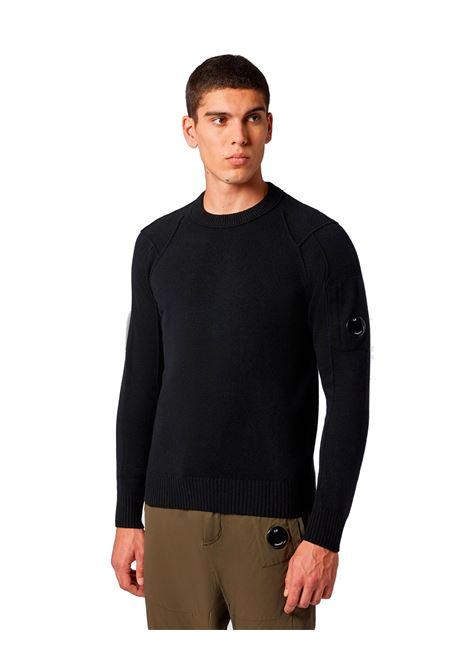 Maglione girocollo in lana d'agnello nero C.P. COMPANY | Maglieria | 09CMKN111A005504A999