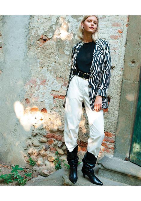 Minerva Pantalone in gabardin bianco stretch MOMONI | Pantaloni | MOPA0170016
