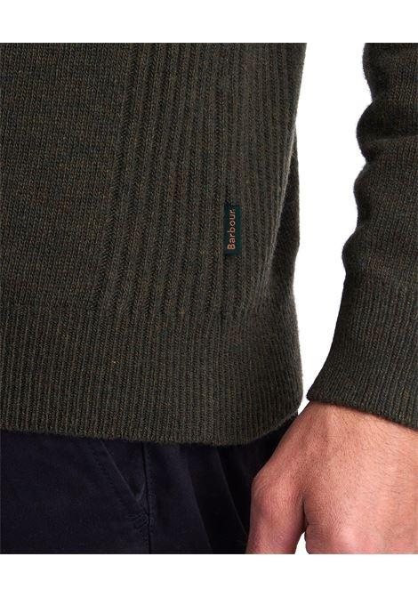 Maglione in lana d'agnello con zip e patch Barbour BARBOUR | Maglieria | MKN0837OL91