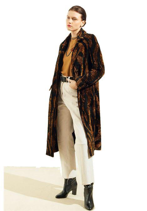Cappotto in velluto di viscosa a coste jacquard MOMONI   Cappotti   MOC00080968