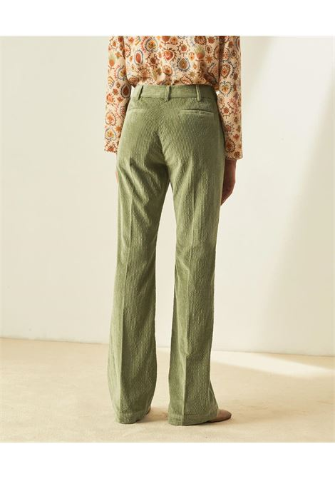 Pantalone flare in velluto stretch MOMONI | Pantaloni | MOPA0090762