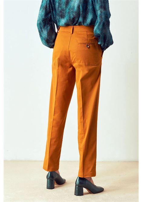 Pantalone dritto in gabardine di cotone stretch MOMONI | Pantaloni | MOPA0150264
