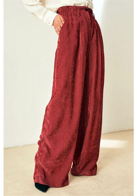 Pantalone con vita alta arricciata in velluto a coste MOMONI | Pantaloni | MOPA0210451