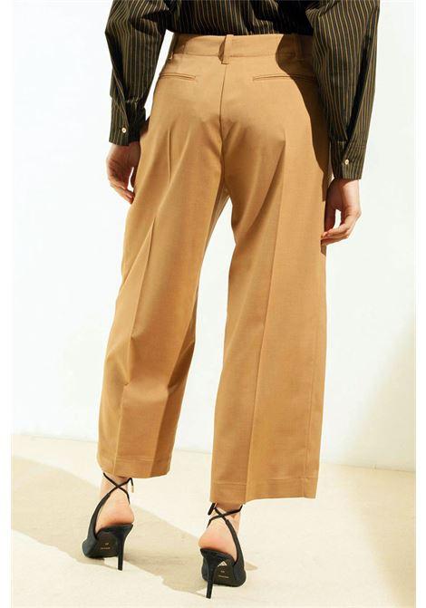 Pantalone con pinces in fresco di lana MOMONI | Pantaloni | MOPA0260145