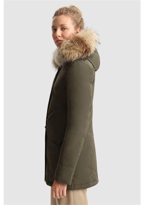 Arctic Parka luxe con pelliccia di raccoon removibile WOOLRICH | Cappotti | CFWWOU0541FRUT0573614