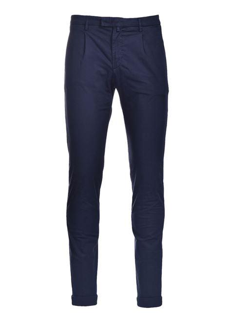 Pantalone chino slim fit con pinces BRIGLIA | Pantaloni | BG03 32112711